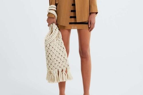 17 bolsos de Zara para esta primavera que combinan bien con todo (y tenemos pruebas)