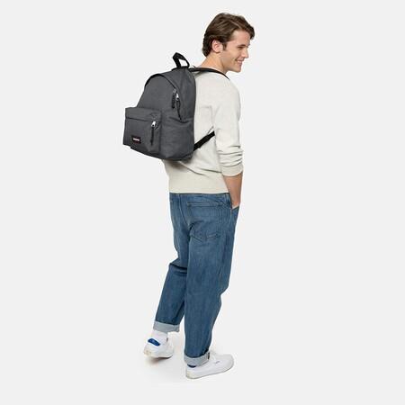 La mochila más vendida de Amazon es esta Eastpak Padded Pak'R y hoy la tienes por menos de 20 euros