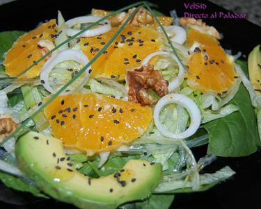 Ensalada de espinacas con agar-agar y naranja