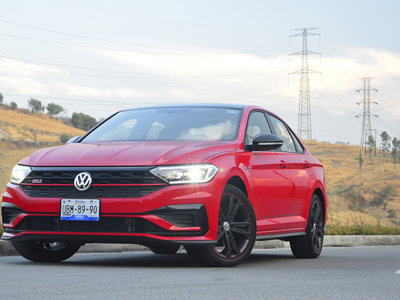 Volkswagen Jetta GLI 2019, a prueba: el ídolo de México en su faceta racing (+ video)