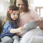 La Academia Americana de Pediatría publica nuevas recomendaciones para el uso de tablets, móviles y tele por parte de los niños