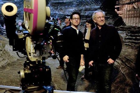 Jj Abrams And Spielberg On Super 8 Set