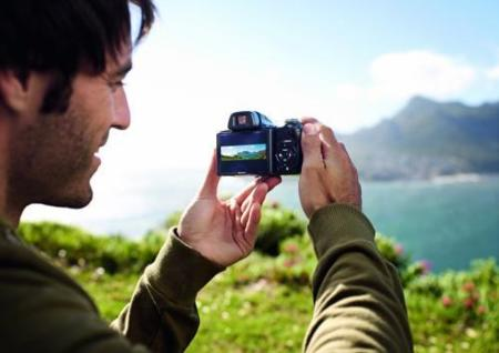 Sony Cybershot HX1, con sensor CMOS y grabación de vídeo a 1080p
