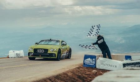 El Bentley Continental GT conquista Pikes Peak y pulveriza el récord anterior
