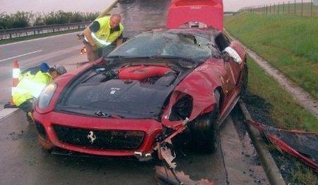 Dolorpasión™: Un Ferrari 599 GTO que no hizo buenas migas con el agua