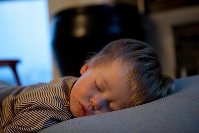 la tension baja da sueño