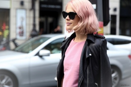 La calle es una marea rosa. Día de la lucha contra el cáncer de mama
