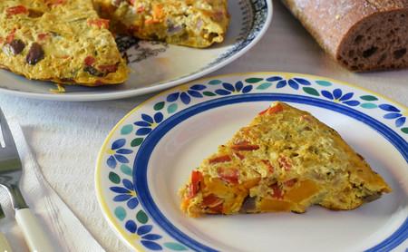 Tortilla de berenjena, pimiento y calabaza: receta saludable