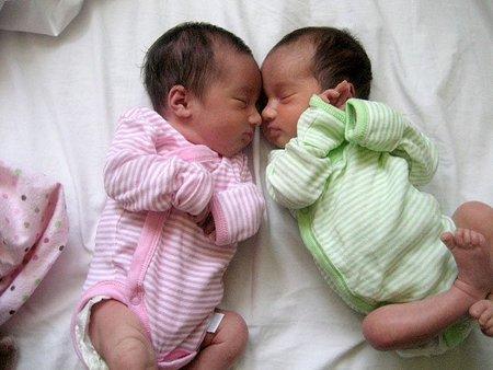 ¿Sabías que los gemelos idénticos son genéticamente diferentes?