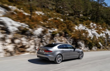 Xe D180 Eiger Grey 0