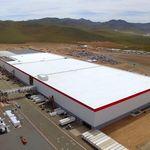 Comienza la producción de baterías en la gigafactoría de Tesla Motors