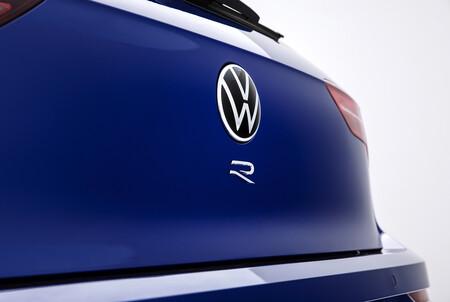 Volkswagen Golf R 2021 4a