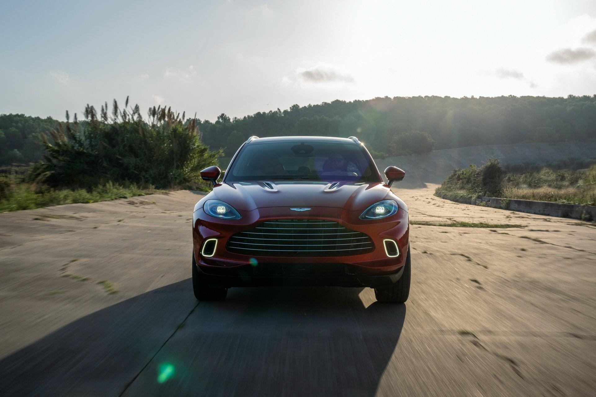 Foto de Aston Martin DBX (21/36)