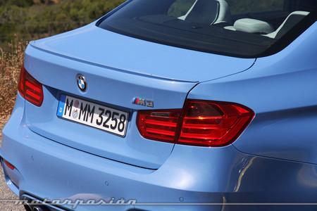 BMW M3 trasera