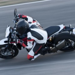 Foto 69 de 111 de la galería husqvarna-nuda-900-y-900r-datos-y-fotos-oficiales en Motorpasion Moto