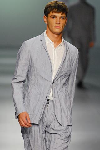 Foto de Adolfo Dominguez, Primavera-Verano 2010, en la Cibeles Fashion Week (7/11)