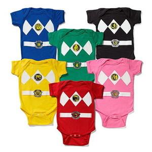 Retrocede a los 80's con estos bodies para bebé de los Power Rangers