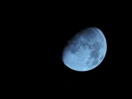 Moon 1733770 960 720