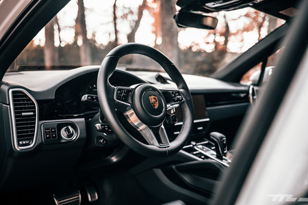 Porsche Cayenne S interior