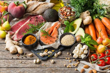 Alimentos saludables para sentirte menos hinchado después de las comidas copiosas