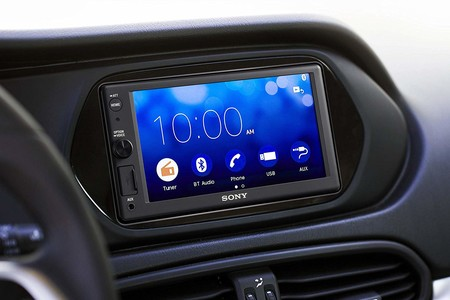 Sony XAV-AX1000, radio con CarPlay, Bluetooth y NFC, por 227,76 euros en Amazon