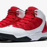 Estas zapatillas Nike actualizan el icono de los 80 y ahora están rebajadísimas: Jordan Max Aura por 66,47 euros
