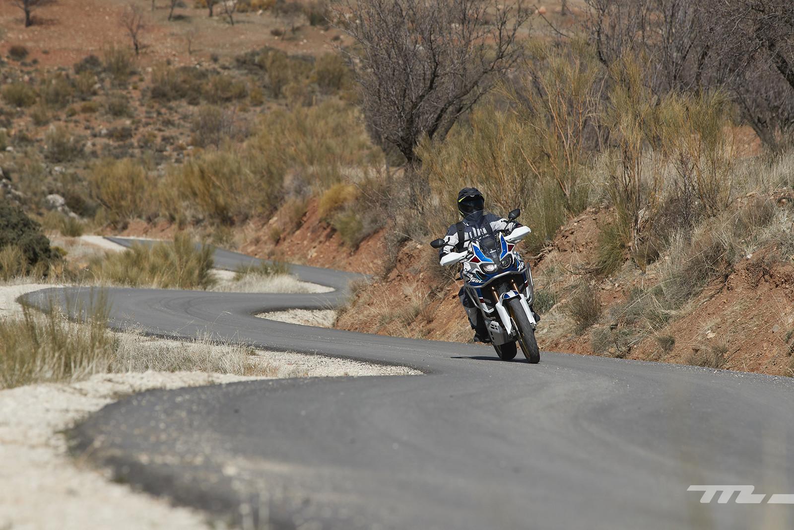 Foto de Honda CRF1000L Africa Twin Adventure Sports 2018, prueba (18/40)