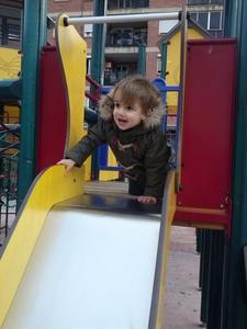 La foto de tu bebé: Bruno jugando en el parque