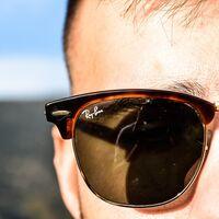 """Facebook no se olvida de sus lentes inteligentes: unos Ray-Ban """"accesibles"""" que servirán como puerta de entrada a su metaverso"""