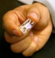 Implantes de silicona para recargar la batería