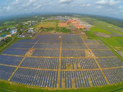 India le muestra al mundo el primer aeropuerto verde, impulsado sólo con energía solar