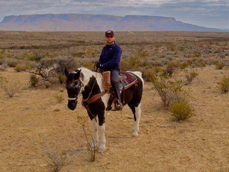 América en moto. A caballo al oeste del Pecos.