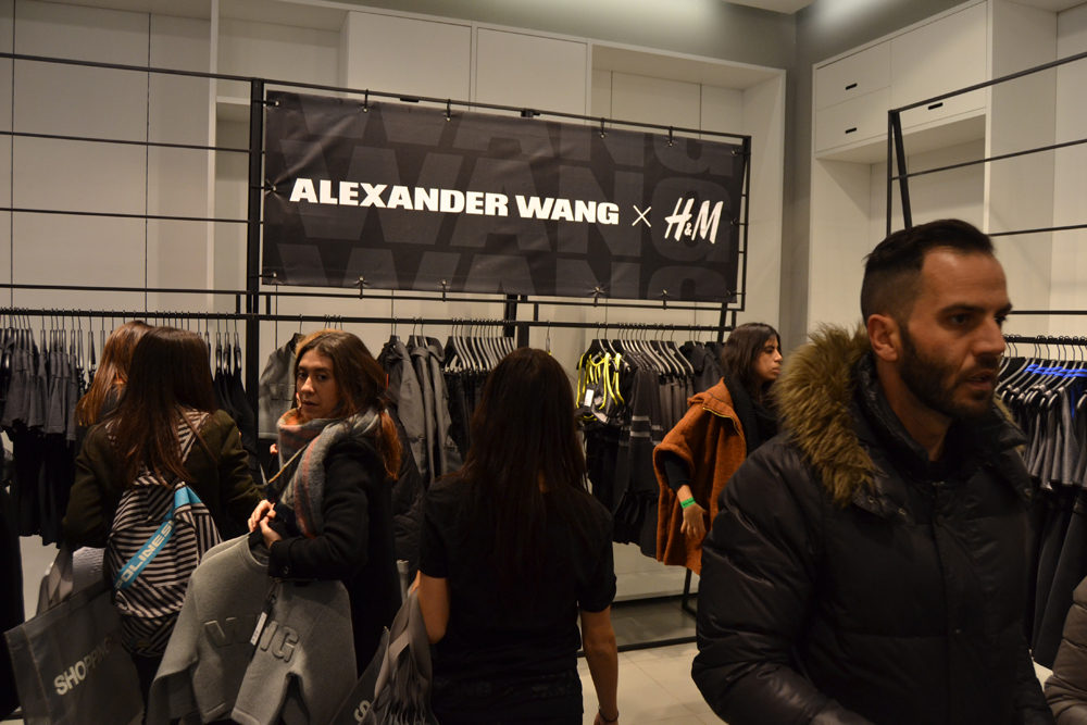 Foto de Alexander Wang x H&M, la colección llega a tienda (Madrid, Gran Vía) (18/27)