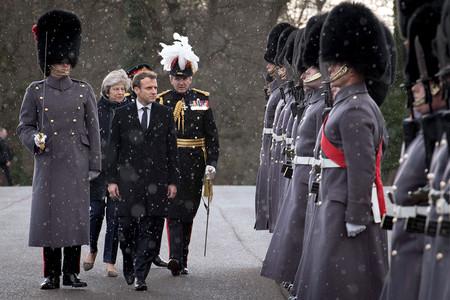 Macron Tropas