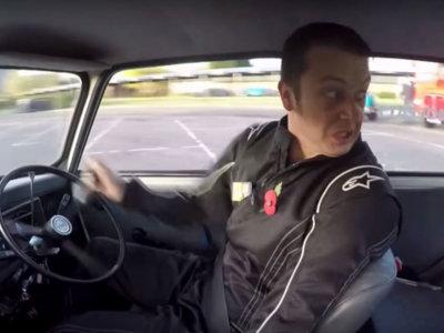 El vídeo que demuestra por qué Alastair Moffatt no necesita un asistente de aparcamiento