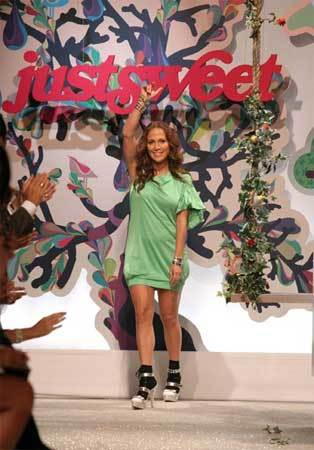 Jennifer Lopez presenta Just Sweet