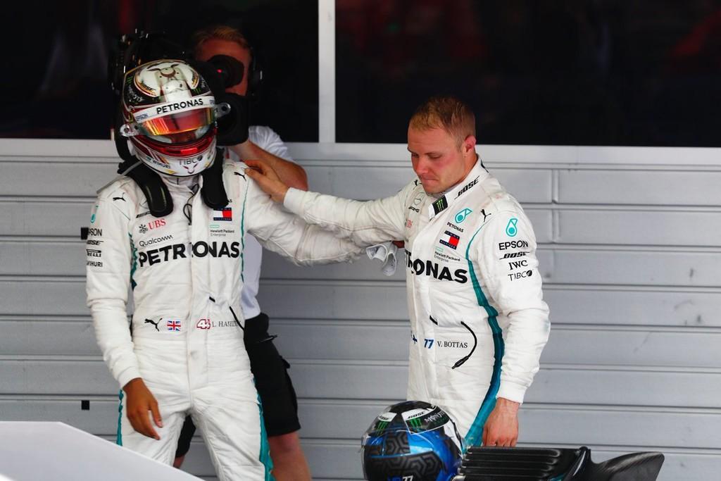 Victoria de Lewis Hamilton con el permiso de Valtteri Bottas en el Gran Premio de Rusia de Fórmula 1
