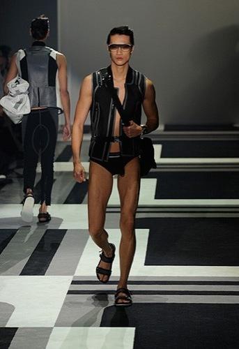 Foto de Gucci, Primavera-Verano 2010 en la Semana de la Moda de Milán (10/15)
