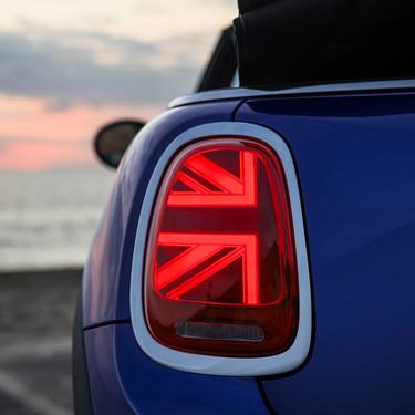 Probamos el MINI Cooper S Cabrio: un soplo de aire fresco en tiempos de Brexit para permanecer unido... al asfalto