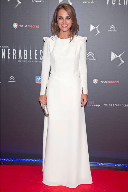 Paula Echevarría nos cautiva con su look del estreno de 'Vulnerable'