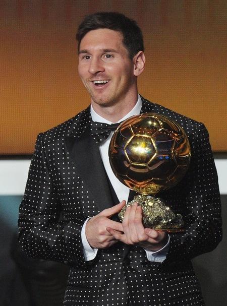 Gala del Balón de Oro 2012: Leo Messi deslumbra por su fútbol y por su smoking de topos