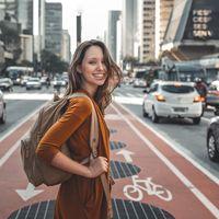 Mapas offline, enchufes, datos… Y todo lo que te gustará saber de tu móvil antes de viajar
