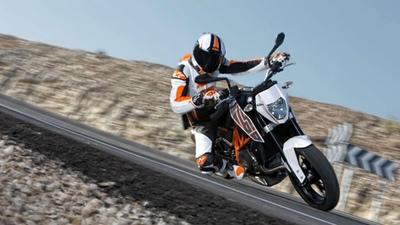 La nueva KTM 690 Duke será la moto oficial de la European Junior Cup