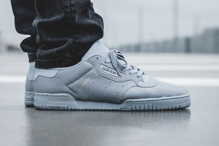 Adidas Yeezy Powerphase Grey 2 01