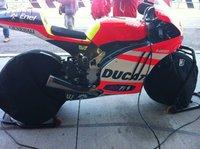 Primeras imágenes de la Ducati GP12 de 1000 de MotoGP