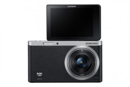 NX Mini con pantalla abatible