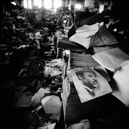 Detroit, de Ian Willms: Fotografía documental con Holga