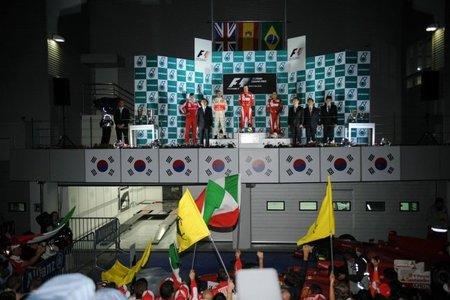 Podio en los himnos del GP de Corea 2010 de Fórmula 1