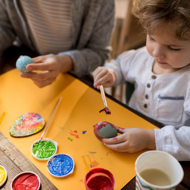 63 bonitas manualidades que puedes hacer en casa con bebés y niños