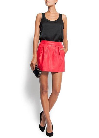 falda piel roja mango